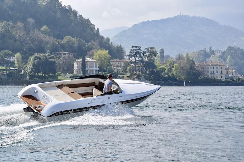Bellagio boat surfing in front of Bellagio Lake Como