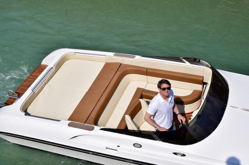 Bellagio boat hire with skipper