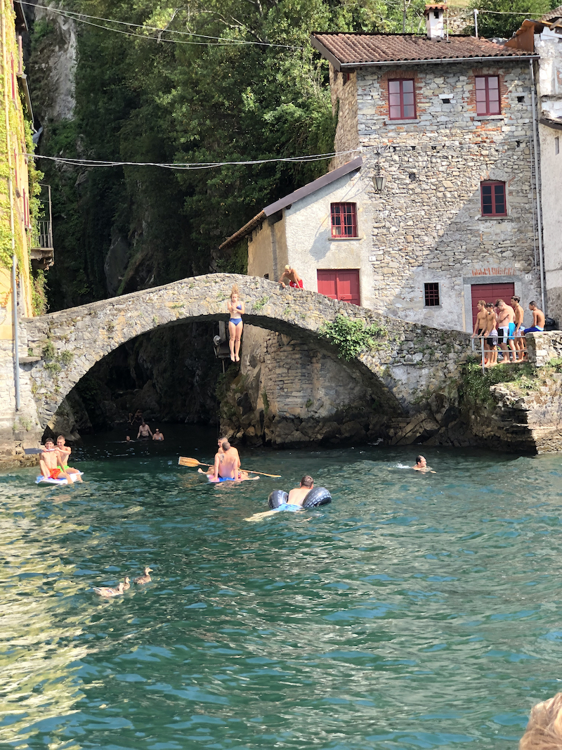 Jumping from the bridge in Nesso